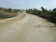 Tot-ú de formigó reciclat, adequat per camins rurals
